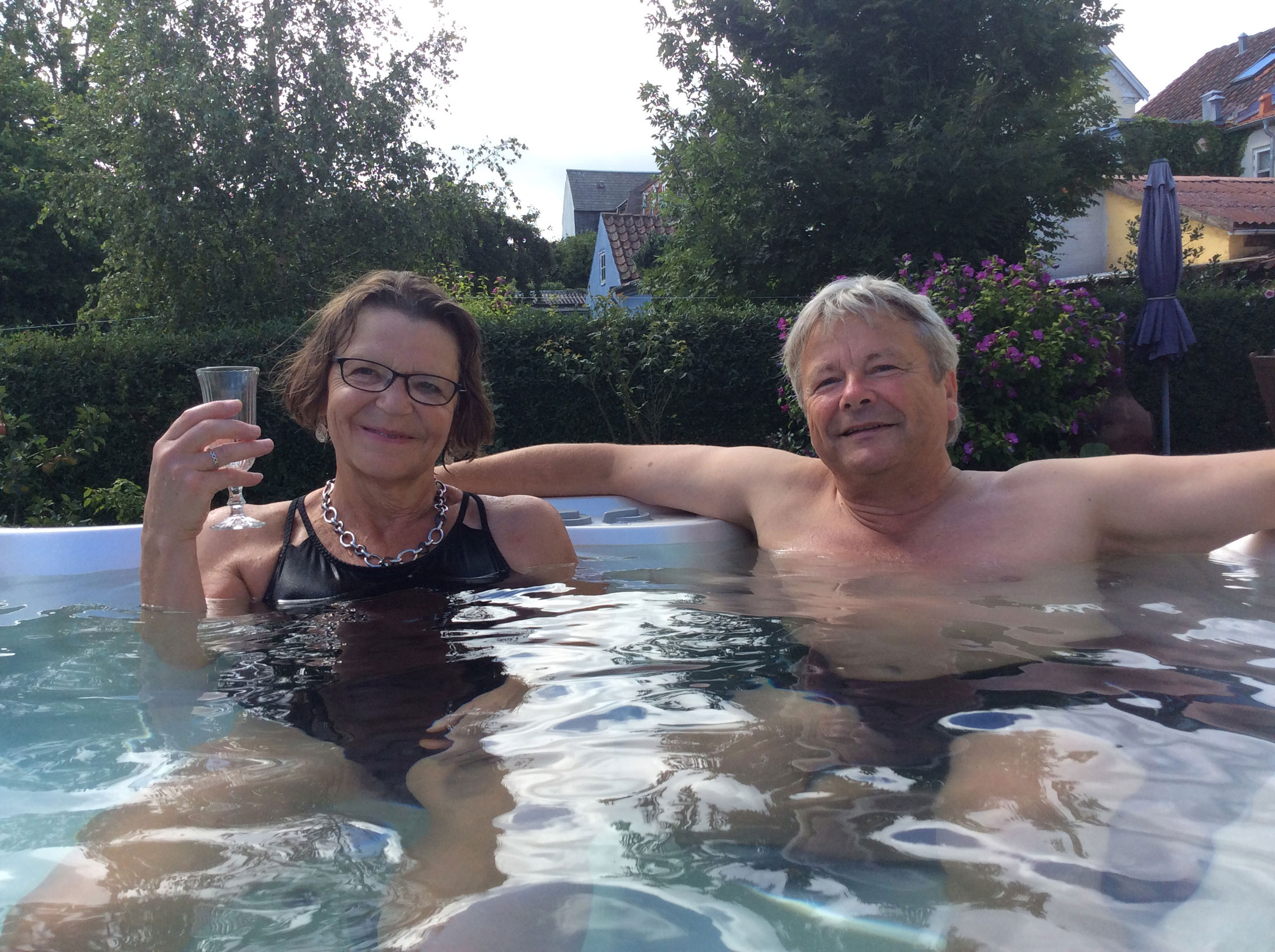 Spa og sauna hos Indre ro i Odense. Jacuzzi udendørs