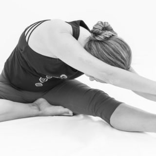 Asana Janushirsana hormon yoga Indre ro