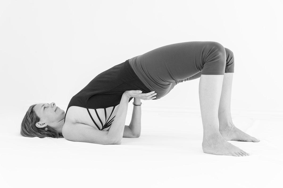 hormon yoga hos Indre ro. Dynamisk Viloma asana